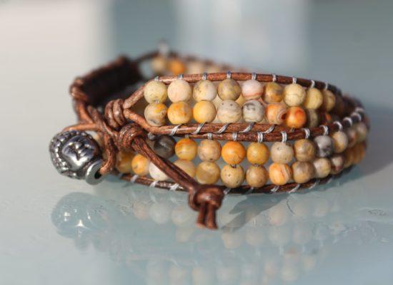 De la terre à la main, bijoux mixte de lithothérapie (bracelets, malas, colliers...)
