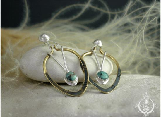 Eliz'art, bijoux lithothérapie et vibratoires. Boucles d'oreilles en argent 925 recyclé, laiton et turquoises africaines