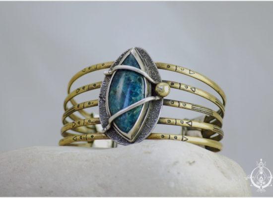 Elizart, bracelet boho et nomade en laiton gravé, argent 925 et apatite bleue
