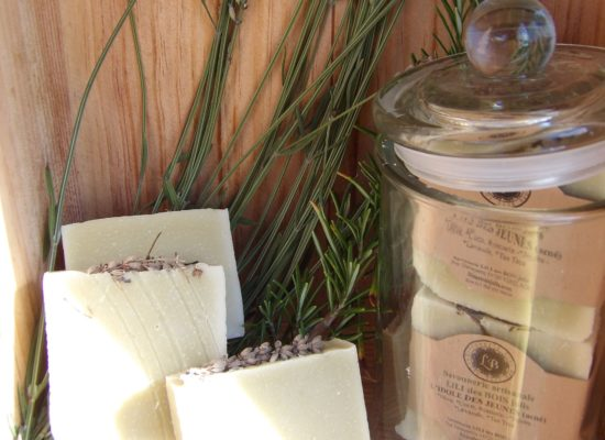 Savonnerie Lili des bois jolis, savons artisanaux, zéro déchet, cosmétiques naturels